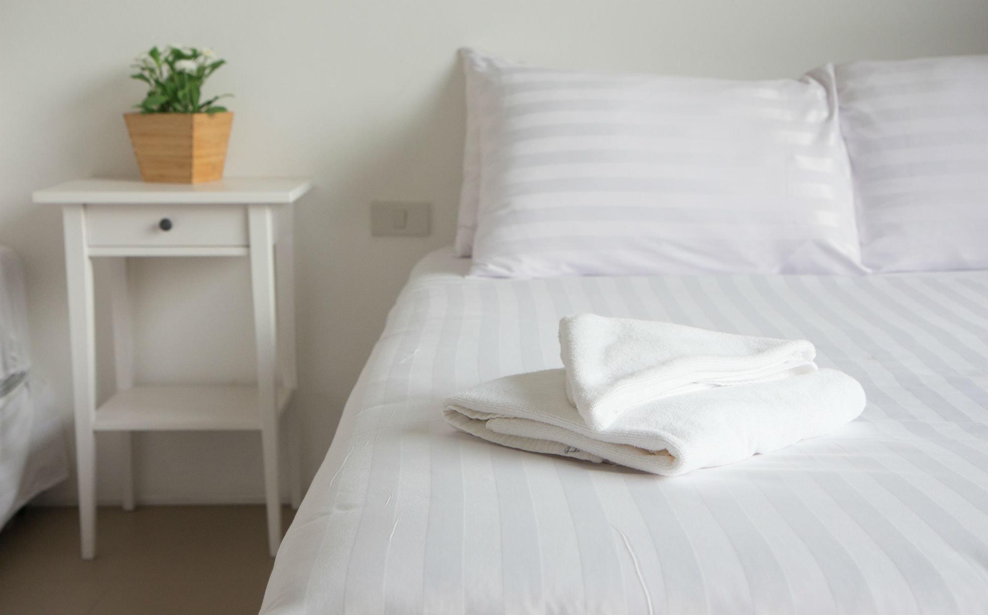 Queen Bed Triple Sheet Set